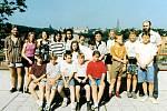 Žáci Církevního gymnázia v Kutné Hoře v roce 1994.