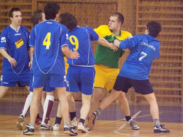 Z 15. hracího dne kutnohorské Futsal ligy Restaurace Na Valech.