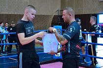 Kutnohorák Jan Laube vyhrál svůj boxerský zápas.