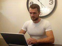 Kutnohorák Tomáš Tvrdík odpovídá online čtenářům Kutnohorského deníku.