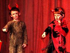 Děti z mateřských škol vystoupily v Tylově divadle.
