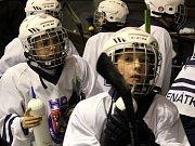 Hokejové mistrovské utkání krajské ligy mladších žáků: SK Sršni Kutná Hora - HC Benátky nad Jizerou 2:5 (1:1, 1:2, 0:2).
