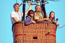 Balón letící v neděli 6. září nad Kutnou Horou.