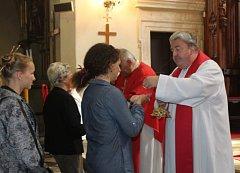 Tradiční rozloučení se školním rokem absolvovali studenti Církevního gymnázia v Kutné Hoře, kteří se sešli ke společné bohoslužbě v kostele sv. Jakuba.