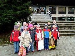 Děti z Mateřské školy Benešova 7 Kutná Hora koupání baví.