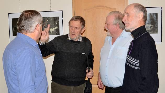Vernisáž výstavy fotografií u příležitosti 100. výročí založení Fotoklubu v Čáslavi.