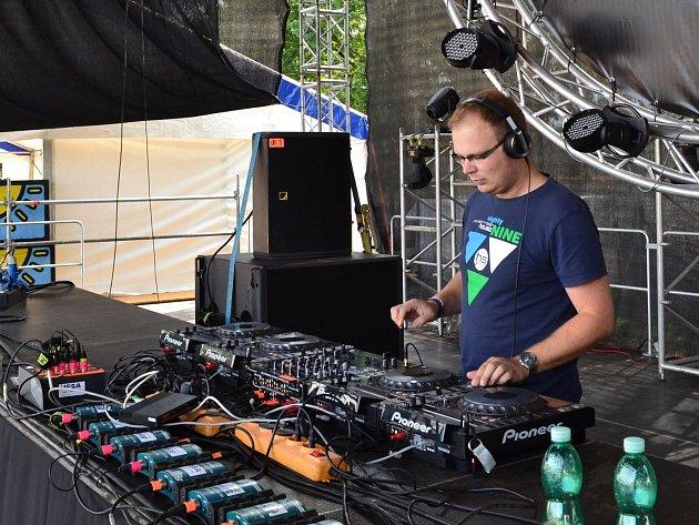 Jednou z vrcholných akcí této sezóny byla pro duo Noise Makeres  akce s názve Air festival v Hradci Králové.