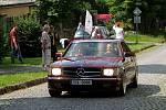Skoro století veteráni z řad aut i motorek zdolávalo v sobotu 12. července kopec v Ratajích nad Sázavou v rámci závodů Rataják.