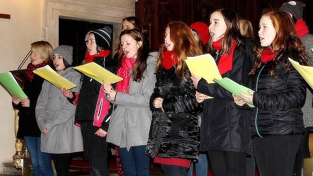 Studenti Církevního gymnázia v Kutné Hoře odehráli adventní koncert