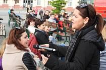 Z koncertu zpěvačky Magdy Malé na náměstí Jana Žižky z Trocnova v Čáslavi.