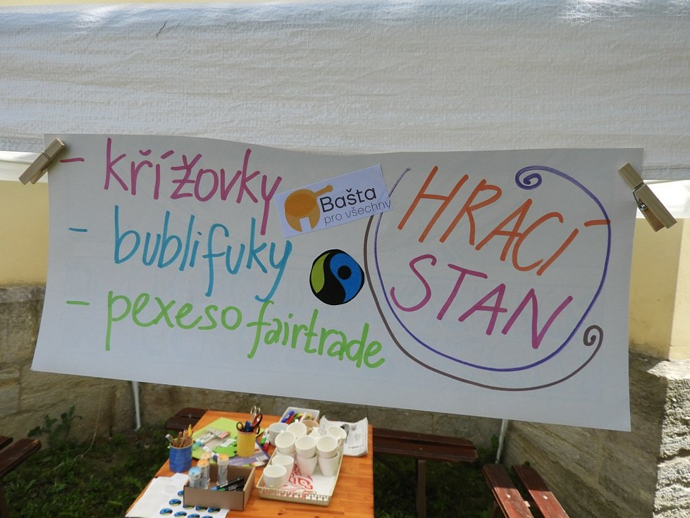 Z multižánrového fairtradového festivalu Bašta pro všechny v Čáslavi.