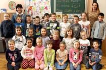 Základní škola Masarykova v Čáslavi: třída 1.A s učitelkou Mirkou Jílkovou.