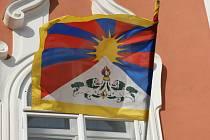 Tibetská vlajka na radnici v Čáslavi.