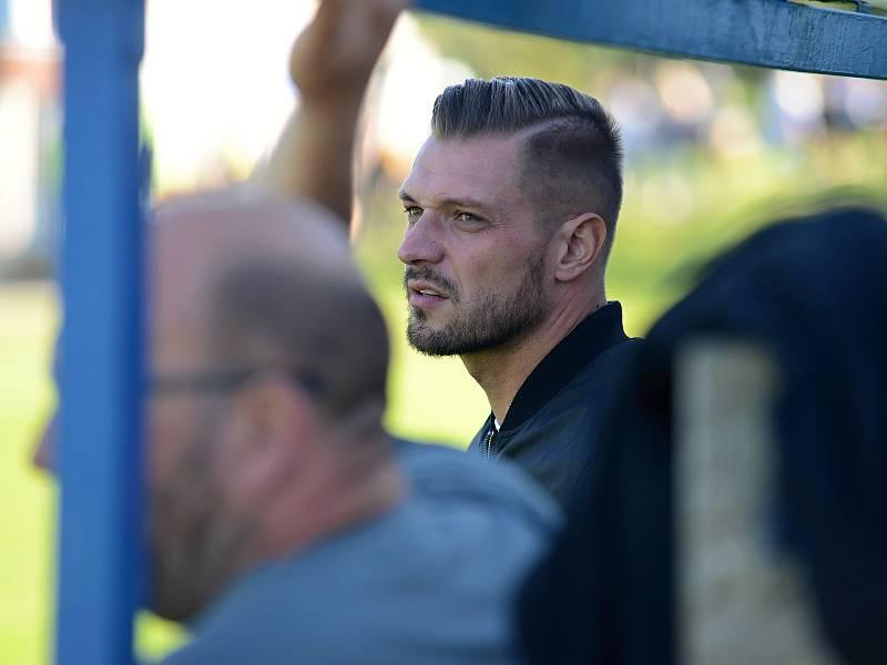 První zápas odehrál za Červené Janovice Václav Kadlec. Jeho tým vyhrál na hřišti Tupadel B 3:1.