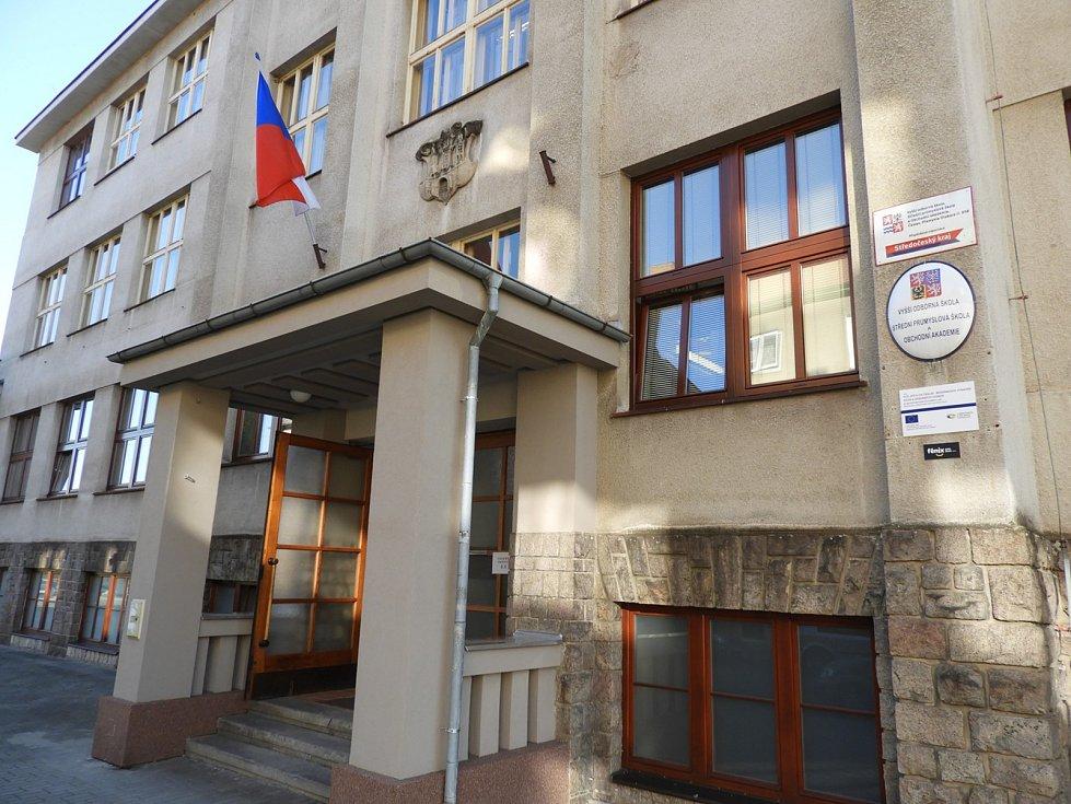 Volební okrsek na Střední průmyslové škole v Čáslavi.