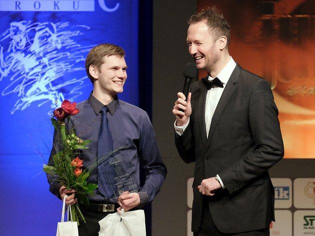 Denis Polívka (vlevo) při rozhovoru s moderátorem.