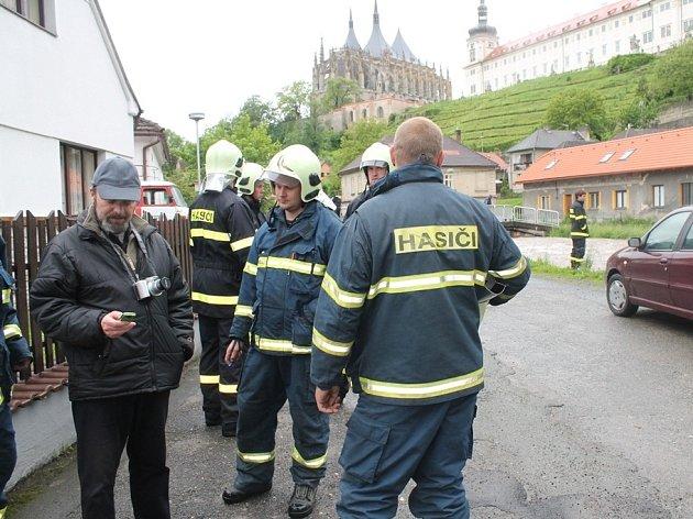 Sbory dobrovolných hasičů pomáhají likvidovat škody po povodních