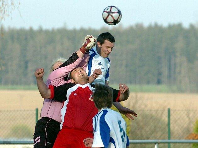 Fotbal: Zbraslavice - Trhový Štěpánov, 17. dubna 2010