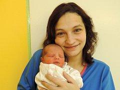Anna Kuchařová se poprvé rozkřičela 30. listopadu v čáslavské porodnici. Po porodu vážila 2560 gramů a měřila 47 centimetrů. Domů do Čáslavi si ji odvezli pyšní rodiče Eva a Petr a sourozenci desetiletá Natálka, osmiletý Matěj a dvouletá Nela.