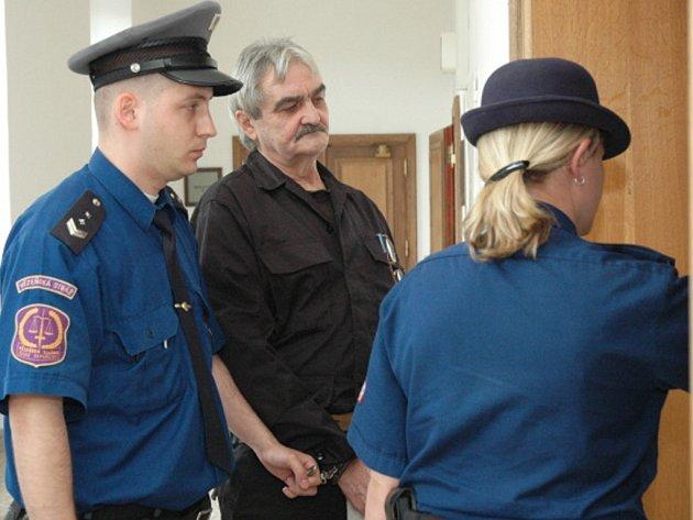 Bohumil Březina čelil u krajského soudu obžalobě ze spáchání vraždy ve Vlastějovicích.