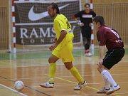 Dvě ze čtyř  branek, které dokázali běloveští futsalisté vstřelit ve dvou utkáních, vsítil Kamil Belák (vpravo).