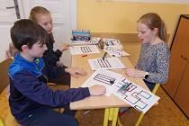 Žáci V. C kutnohorské 'základky' Žižkov pronikali do základů robotiky.