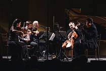 Na zahajovacím koncertu se představili Helena Jiříkovská, Roman Patočka (housle), Karel Untermüller (viola), Lukáš Polák (violoncello) a Igor Ardašev (klavír).