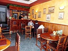 Stylově zařízená kavárna hotelu Garni v centru Kutné Hory je bez cigaretového kouře.