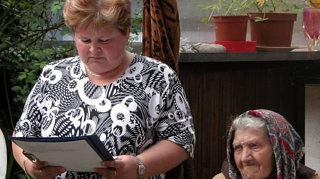 Marie Valtrová z Chotusic oslavila sto let.