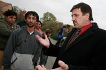 Z návštěvy ministryně pro národnostní menšiny Džamily Stehlíkové v romské komunitě.