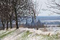 Zasněžená krajina v Kutné Hoře a okolí v úterý 6. dubna 2021 ráno.
