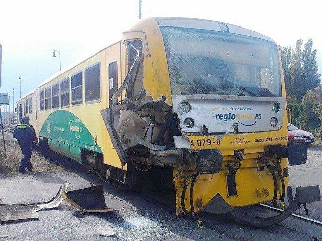 Poškozená Regionova po nárazu nákladního vozu 15. října.