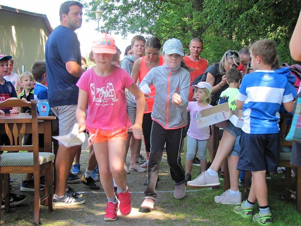 Z dětského orientačního běhu v čáslavském lesoparku Vodranty.