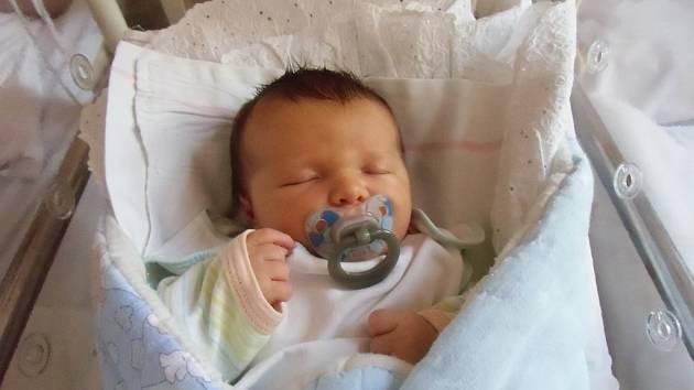 Sebastián Marek se narodil 6. května v Čáslavi. Vážil 3900 gramů a měřil 52 centimetrů. Doma ve Svatém Mikuláši ho přivítali maminka Lucie, tatínek Tomáš a bratr Oliver.