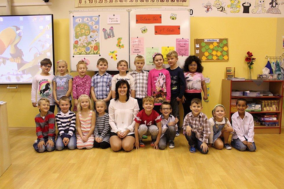 Základní škola Sadová v Čáslavi, 1.C. s třídní učitelkou Nikolou Zarembovou.