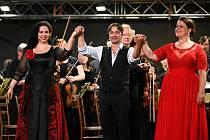 Ze závěrečného večera festivalu Operní týden v Kutné Hoře, který patřil Enricu Carusovi.