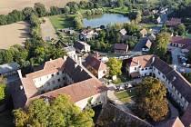 Hrad a zámek Staré Hrady v Libáni.