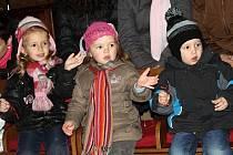 Vánoční besídka dětí ze centra denní péče Semínka se uskutečnila v kutnohorském klášteře sv. Voršilek.
