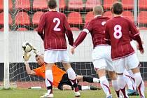 Z utkání druhé fotbalové ligy Sparta B - Čáslav (1:2).