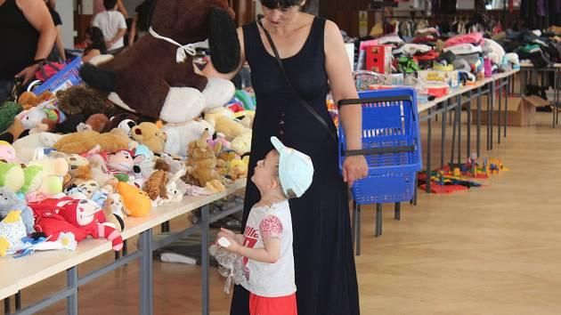 Charitativní bazar na podporu práce Ligy na ochranu zvířat Kutná Hora