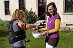 Z oslavy 25. výročí založení Oblastní charity v Kutné Hoře.