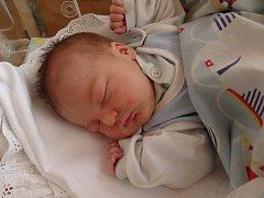 Matyáš Čtvrtečka se narodil 3. dubna v Čáslavi. Vážil 3060 gramů a měřil 50 centimetrů. Doma v Chotusicích ho přivítali maminka Karolína a tatínek Pavel.