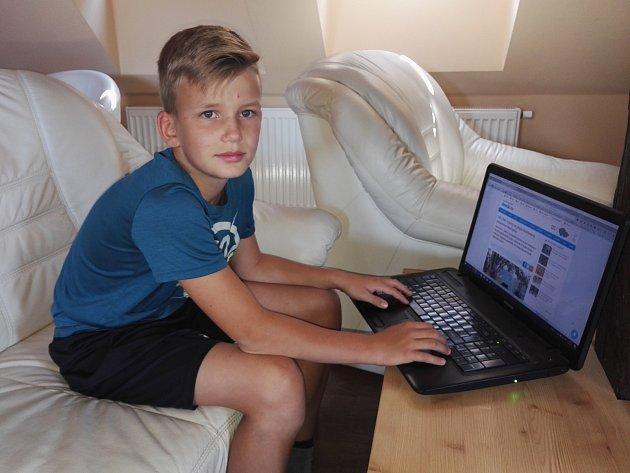 Kickboxer Sebastien Macháček z Kutné Hory během online rozhovoru pro Kutnohorský deník.
