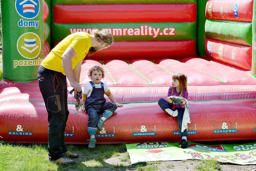 A jako novinka bylo to, že se festival více programově orientoval na děti. Připraveny byly tvořivé dílny, ruzné soutěže, nebo skákací hrad.
