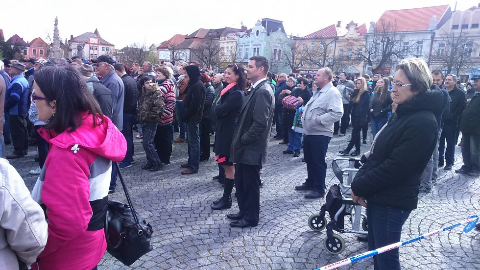 Mezi posluchači na náměstí byl i nový ministr průmyslu a obchodu Jiří Havlíček, který je zároveň zastupitelem Čáslavi.