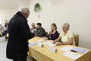 Prezidentské volby 2018. Jeden z okrsků byl i v klubu důchodců v Čáslavi.
