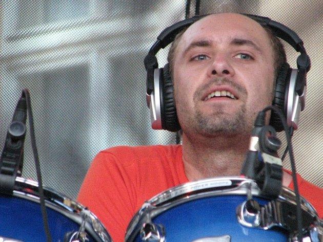 Martin Vajgl je novým bubeníkem Čechomoru.