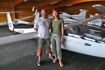 Zbraslavický pilot Martin Hřivna s kopilotkou Andreou Benšovou
