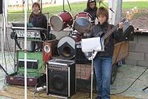 Dívčí kapela Madams.
