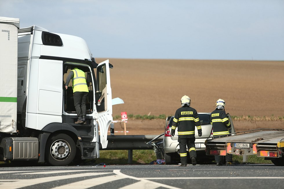 Tragická dopravní nehoda na obchvatu Čáslavi.